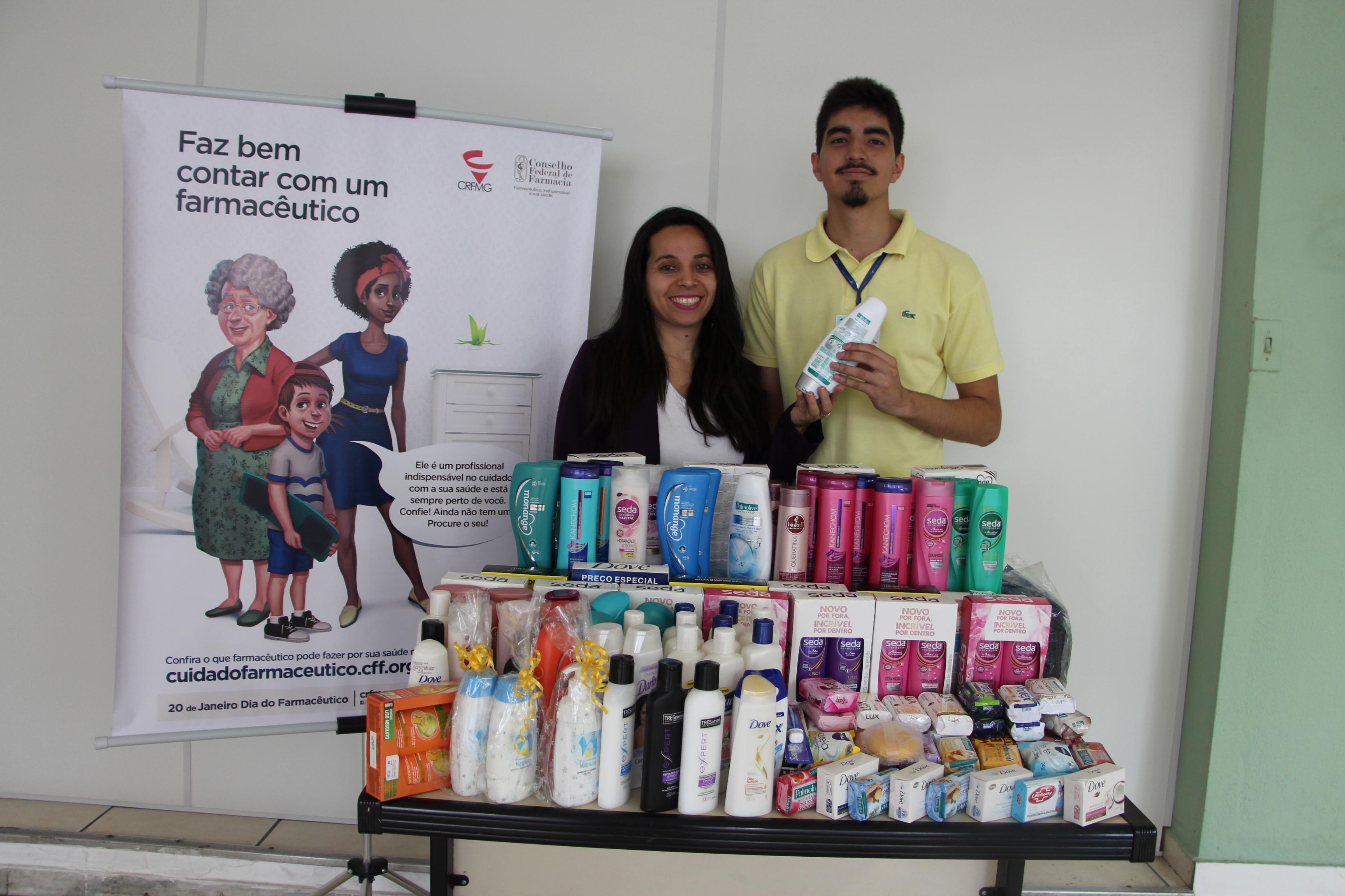 Entrega de doações para Hospital da Baleia