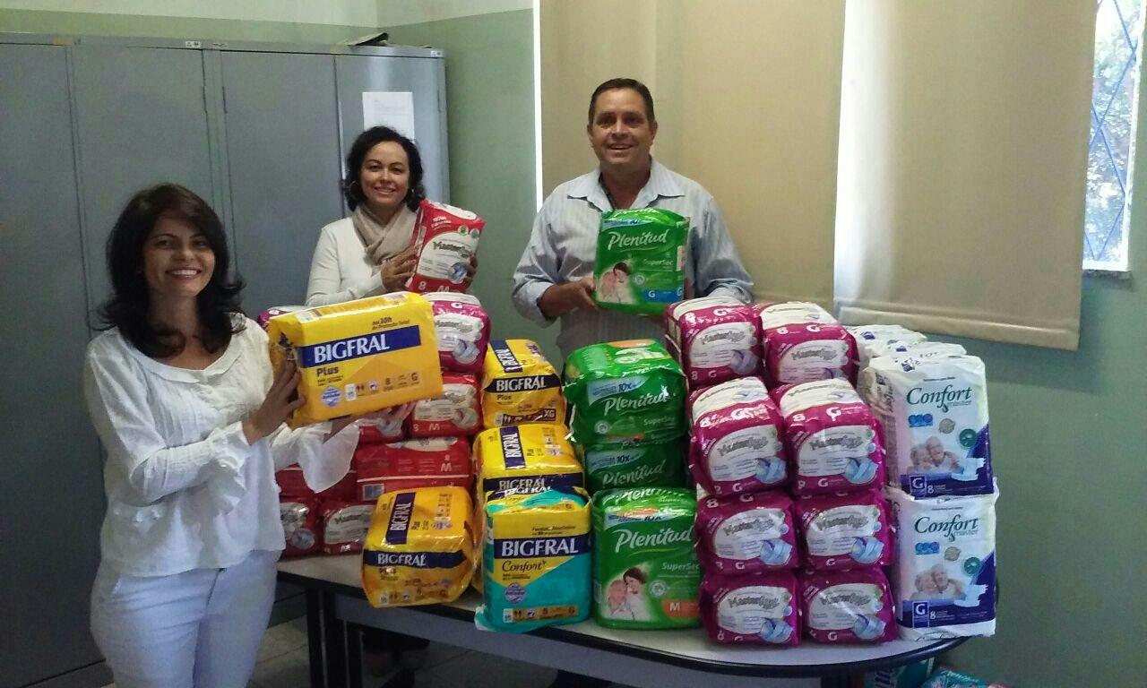 CRF/MG doa pacotes de fralda geriátricas à prefeitura de Alfenas