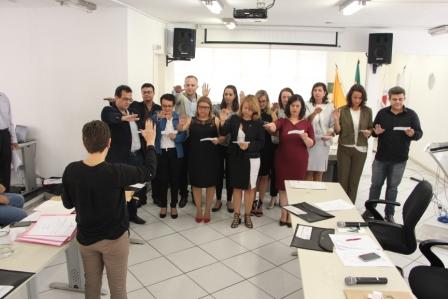 Diplomados a nova Diretoria e os Conselheiros do CRF/MG