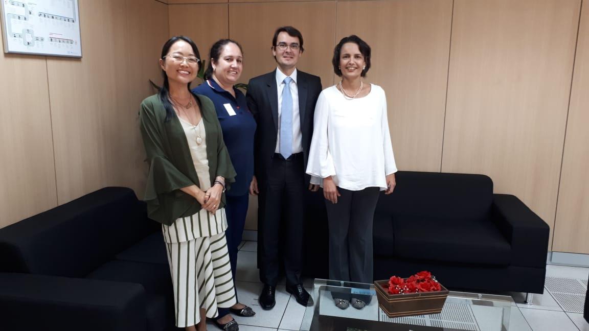 CRF/MG se reúne com Anvisa em Brasília e garante ação conjunta no Estado
