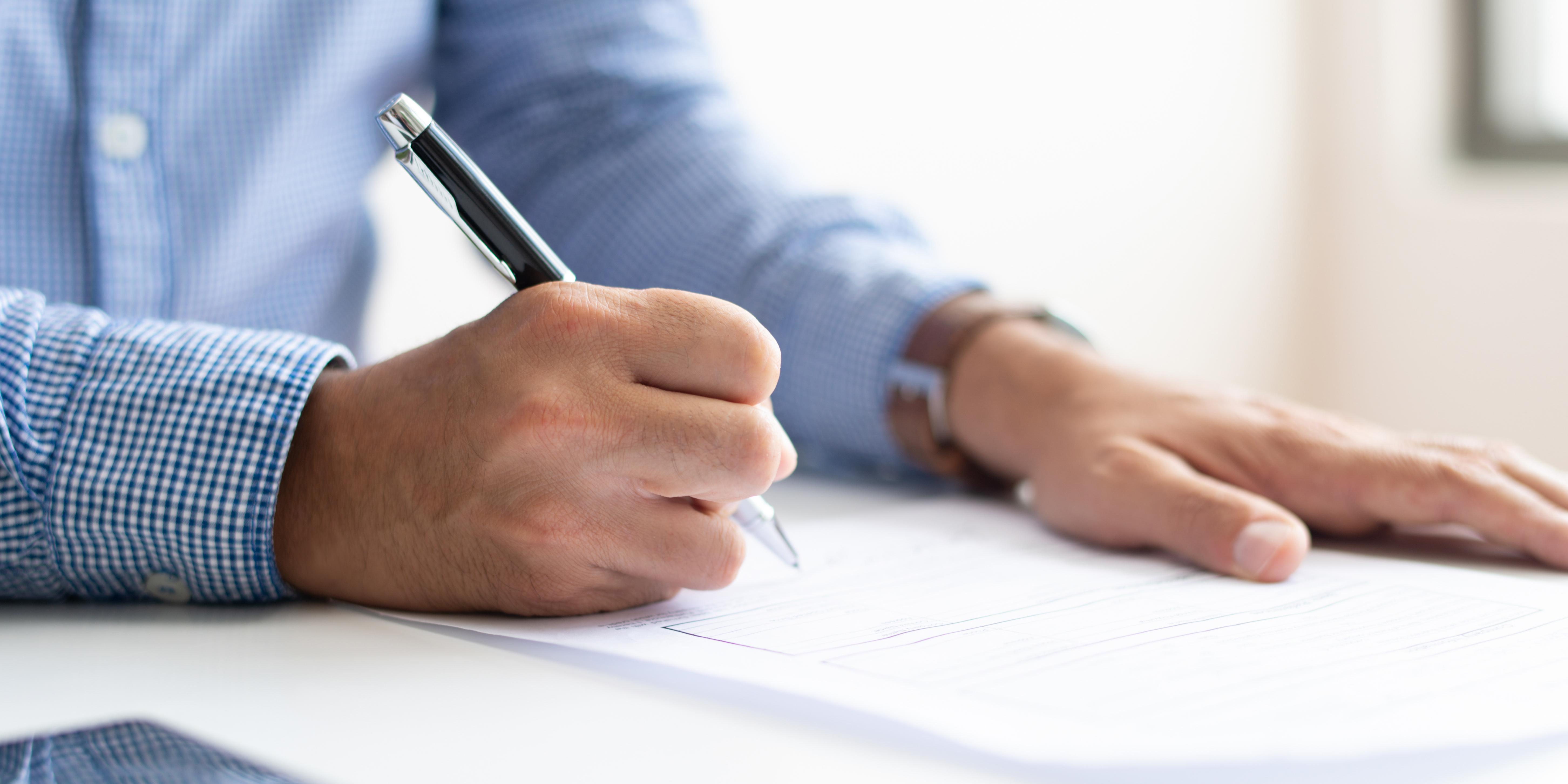 Sinfarmig e Sincofarma firmam piso salarial de 2018